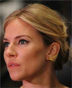Love the earrings Sienna is wearing!