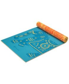 For added protection, this Gaiam yoga mat is constructed with a non-slip, textured 5mm extra-thick surface to provide almost twice the cushioning as a standard yoga mat for extra protection and comfor
