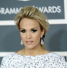 Carrie Underwood inspired make up, by Marlena, from Make Up Geek. Love the dramatic eyelashes!