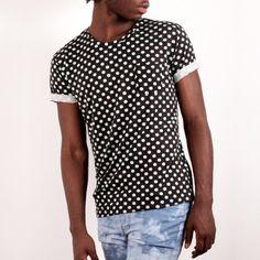 Esta y mas camisetas nuevas disponibles en nuestra tienda. Visita nuestra página en fb para que veas lo nuevo de Pardo! #belikepardo M: @jhanmena de @aemodels Ph: @felipediaz62
