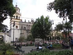 La Iglesia de San Juan Bautista es de culto católico. Fue construida entre los años 1522 y 1552. No tiene un estilo arquitectónico uniforme, pero se toma el barroco novohispano como el estilo predominante. Ha sido emblema desde la época colonial hasta nuestra época de Villa Coyoacán.