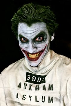 Character: Joker / From: DC Comics 'Batman' / Cosplayer: Aaron Schoenke