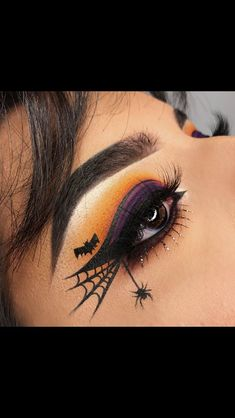 Halloween Make-up, Halloween Spiderweb Eyeliner Tutorial, Halloween Make-up Videos Halloween Makeup Videos, Creepy Halloween Makeup, Halloween Zombie, Halloween Looks, Halloween Party, Halloween Eyeshadow, Easy Halloween, Halloween Nails, Purple Halloween