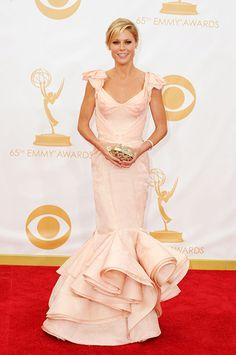 Julie Bowen in Zac Posen at the 2013 Emmys Julie Bowen, Red Carpet Dresses, Glam Dresses, Dresses 2013, Nice Dresses, Formal Dresses, Hollywood Glamour, Red Carpet Fashion, Zac Posen
