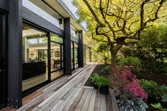 Bradnor Road 02 Cymon Allfrey Architects Ltd Design a Light and Open Contemporary Interior in New Zealand Architecture Design, Architecture Office, Residential Architecture, Landscape Architecture, Indoor Outdoor, Wooden Decks, House And Home Magazine, Contemporary Interior, Contemporary Style