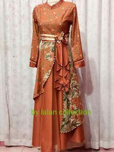 Model Dress Batik, Batik Dress, Batik Fashion, Hijab Fashion, Fashion Dresses, Dress Batik Kombinasi, Dress Pesta, Mode Abaya, Long Gown Dress