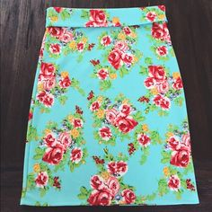Agnes and Dora Pencil Skirt XL | 97% polyester, 3% spandex | never worn, mint condition Agnes and Dora Skirts Pencil