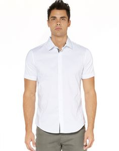 Find your style with our collection of shirts for men – available in a range of colours and designs. New Zealand Houses, Mens Fashion, Fashion Trends, Men Casual, Menswear, Slim, Tees, Modern, Mens Tops