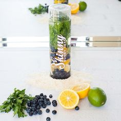 - TAG a friend that would love to try this delicious Detox Water! . Detox Benefits: Antioxidants Cleanse Toxins Weight Loss . Ingredients: ▫️4 cups water ▫️1 cup Blueberries ▫️1 Lemon, sliced ▫️1 Lime, sliced ▫️1 handful Parsley ▫️Ice cubes . Directions: 1️⃣Add all ingredients in a pitcher and mix. 2️⃣This needs to sit in the fridge for about 2-3 hours to allow the flavors to come out.