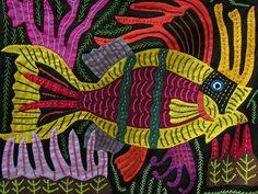 Sur la côte atlantique du Panama, les îles San Blas sont habitées par les indiens Kuna connus pour la tradition des molas cousus par les femmes.
