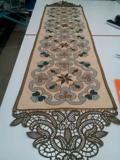 Brother Innovis, Point Lace, Cross Stitch Embroidery, Table Runners, Needlework, Rugs, Crochet, Home Decor, Embroidery Machines