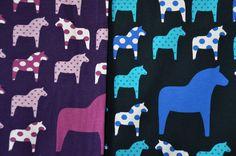 Jersey mit Dala Pferden retro Swafing lila und blau 50 x 160 cm Nähen Stoff - Stofferia
