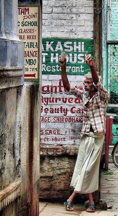 Life in Varanasi☆ ◦●◦ ჱ ܓ ჱ ᴀ ρᴇᴀcᴇғυʟ ρᴀʀᴀᴅısᴇ ჱ ܓ ჱ ✿⊱╮ ♡ ❊ ** Buona giornata ** ❊ ~ ❤✿❤ ♫ ♥ X ღɱɧღ ❤ ~ Tues 24th Feb 2015