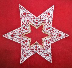 Erlebnisse .... Hobbys .... und mehr ..... Lace Art, Bobbin Lace Patterns, Drawn Thread, Lacemaking, Point Lace, Lace Jewelry, Needle Lace, Fabric Crafts, Diy And Crafts