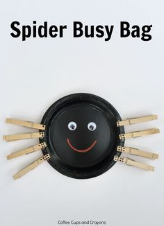 Fine Motor Spider Busy Bag that's super easy to make and encourages numbers, subtilizing, and counting skills for preschool and pre-k. Halloween Crafts For Kids, Halloween Activities, Autumn Activities, Kid Crafts, Fall Crafts, Spring Activites, Preschool Halloween, Daycare Crafts, Halloween Ideas