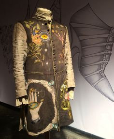 Master Raymond's pharmacist coat~& the making thereof... http://www.terrydresbach.com/master-raymond/