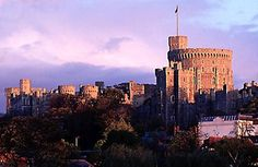 The original Windsor Castle was built during the reign of William the Conqueror to help guard and protect the approach to London. Norman Castle, Castles To Visit, William The Conqueror, Windsor Castle, London Travel, British Isles, Long Live, Cathedrals, Elizabeth Ii