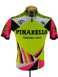 Great colour mix #deporvillage #vintagebikejersey #maillot #pinarello