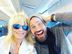 #trainer #junassa #helsinki #junassaontunnelmaa #ystävä #friends @lauri.tahka @vrmatkalla @foofighters #today