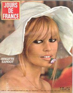Brigitte Bardot  - Jours de France n°608, 9 juillet 1966