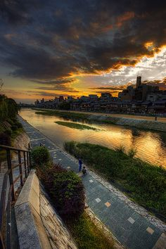 Sunset over Kamogawa River, Kyoto, Japan (京都 鴨川)