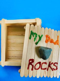 Are you looking for a fun and easy homemade Father's Day gift idea? The kids will enjoy making this Dad Rocks Keepsake Box popsicle craft. The box can be the gift or it can double as the gift holder!