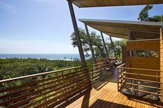 Casa Flotanta above a Costa Rican hillside