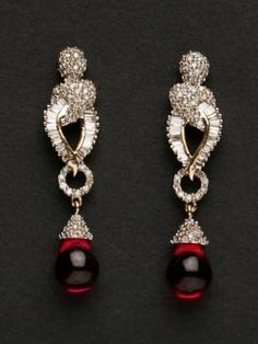 This Timeless Earring Set, Set In 14 Carat Gold And Diamonds Will Remind You Of The Victorian Era.