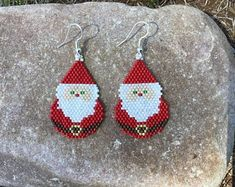 Brick Stitch Earrings, Seed Bead Earrings, Beaded Earrings, Etsy Earrings, Beaded Jewelry, Handmade Jewelry, Jewellery, Beaded Christmas Ornaments, Christmas Earrings