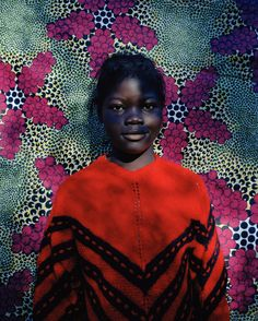 anotherafrica:    Viviane Sassen, Francisca, 2005.  Image courtesy of the artist and Stevenson Gallery.