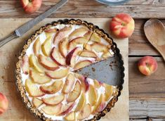 Flourless and Gluten-Free Peach Yogurt Tart Healthy Fruit Desserts, Delicious Desserts, Dessert Recipes, Yummy Food, Healthy Recipes, Healthy Eats, Healthy Baking, Dessert Ideas, Gluten Free Peach