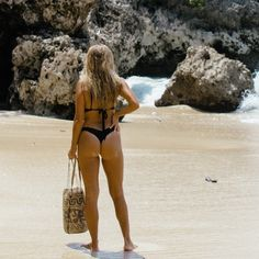 The ultimate boho beach bag worn by the likes of Collage Vintage & Matilda Djerf! Perfect for your essentials or just as a cute yoga bag.  https://beachvibeco.com/collections/frontpage/products/indo-rattan-bag