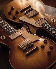 These gibson les paul guitars are awesome Gibson Epiphone, Gibson Guitars, Fender Guitars, Rare Guitars, Acoustic Guitar Chords, Music Guitar, Cool Guitar, Guitar Room, Gibson Les Paul