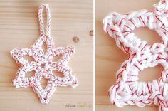 Ideas for crochet christmas decorations pattern snowflake ornaments Crochet Christmas Decorations, Crochet Ornaments, Christmas Crochet Patterns, Holiday Crochet, Snowflake Ornaments, Crochet Crafts, Yarn Crafts, Crochet Projects, Christmas Crafts