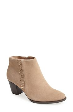 Nude booties for the win.