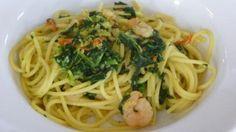 Ein Hauch Exotik: Pasta mit Scampi, Spinat und ordentlich Curry