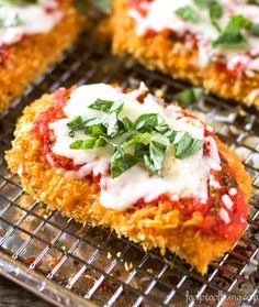 Oven-Baked Chicken Parmesan: A Healthier chicken Parmesan recipe. Easy and quick… Oven-Baked Chicken Parmesan: A Healthier chicken Parmesan recipe. Easy and quick to make. Perfect for weeknight dinners. Oven Baked Chicken Parmesan, Oven Chicken, Easy Chicken Parmesan Bake, Skinny Chicken Parmesan, Fried Chicken, Parmasean Chicken, Breaded Chicken Recipes, Boneless Chicken, Food Dishes
