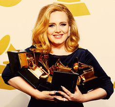 Adele with her six grammy's ♥