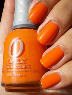 Orange nails are vibrant and more of a young preteen looking nail. A person with these nails probably did them at a sleepover! Black Nail Polish, Nail Polish Colors, Black Nails, Love Nails, Pretty Nails, Fun Nails, Rose Bonbon, Terracota, Coral