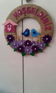 This Pin was discovered by Asi Jute Crafts, Foam Crafts, Diy And Crafts, Crafts For Kids, Paper Crafts, Felt Wreath, Diy Wreath, Felt Flowers Patterns, Felt Decorations