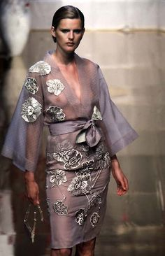 Valentino - Haute Couture - Runway Collection - Women Spring / Summer 1997