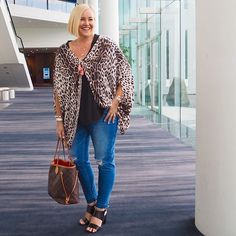 Today's #everydaystyle ... heading home after an awesome day at #pbevent on the Gold Coast - was so good to catch up with old and new bloggie friends. Enjoyed sharing my insights on the working with brands Q&A panel this afternoon. (Check out my Insta Story - click my profile pic to watch - for more from today)  @frankie4footwear NiKKi heels. #syspringtre...