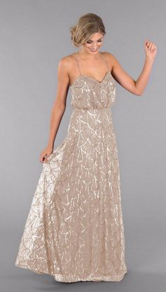 Complete your big day with sequin party dresses you AND your bridesmaids love; Kennedy Blue Ariel will look amazing on each and every one of your girls. Kennedy Blue Ariel is a stunning bridesmaid gow