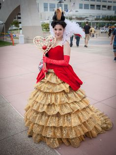 COSPLAY THAT REALLY IMPRESSED US FROM COMIC-CON 2013: Queen of Hearts From uncle_shoggoth.