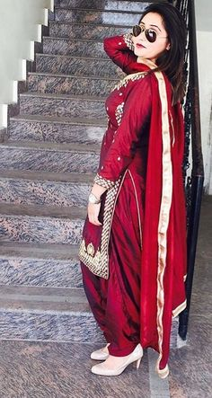 Custom made availaible at Royal Threads Boutique. To order whatsapp at Indian Salwar Suit, Punjabi Salwar Suits, Punjabi Dress, Indian Suits, Indian Attire, Patiala Salwar, Indian Ethnic Wear, Pakistani Dresses, Indian Dresses