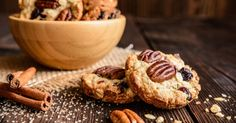 Whether you're a fan of chocolate chip cookies, snickerdoodle, or peanut butter and chocolate, you don't need a national food holiday to celebrate and enjoy a cookie. Here's the Eat This, Not That! list the most popular cookies in every state. Butter Pecan Cookies, Oatmeal Cookies, Ma Baker, Cranberry Recipes, Cranberry Cookies, Cranberry Sauce, Holiday Cookie Recipes, Cookies Et Biscuits, Cupcake Cookies