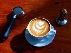 """A R O M A  D I  C A F F É  """"Nuestra especialidad es brindarte una genuina taza del mejor café"""". .  #BaristaLife  . #AromaDiCaffé#SaboresAroma#MomentosAroma#Amistd#Compartir#Disfrutar#CoffeeMoments#Coffee#Barismo#Caracas . Visítanos de Lunes a Sábado de 8:00 a.m. - 7:00 p.m."""