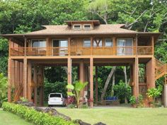 Hawaii 062012 026 - Home Decoration Wooden House Design, Bamboo House Design, Tropical House Design, Tropical Houses, Small House Design, Cottage Design, Jungle House, Forest House, Thai House