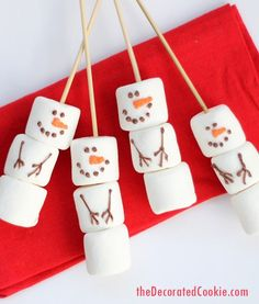 DIY marshmallow snowmen stirrers from the Williams-Sonoma catalog -- a copycat version of the store-bought Christmas treat, but budget-friendly.