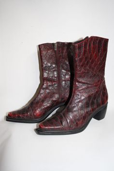 CLARA BARSON LADIES BURGUNDY REPTILE SKIN EFECT 100% LEATHER ANKLE BOOTS 4,5 UK